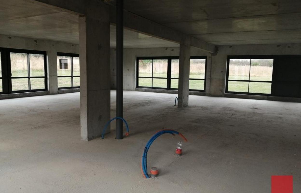 Bureau 594 m²