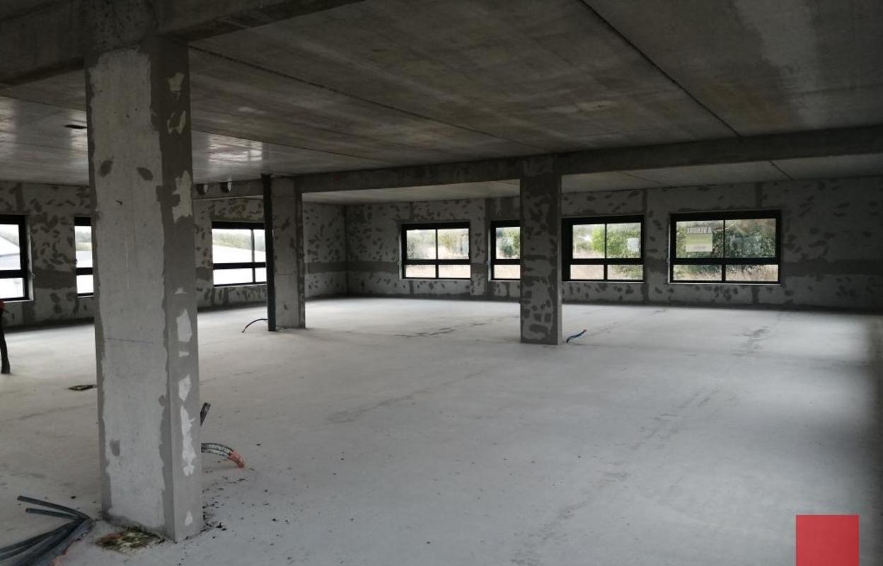 Bureau 298 m²
