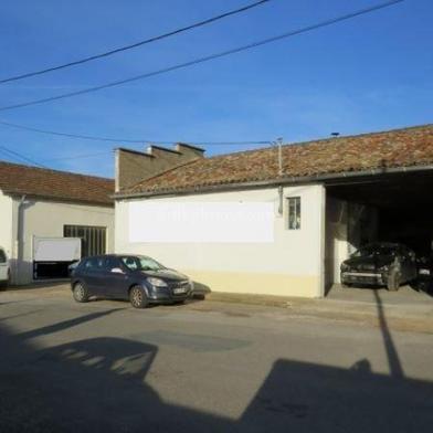 Commerce 1600 m²