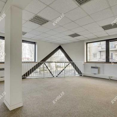 Bureau 950 m²