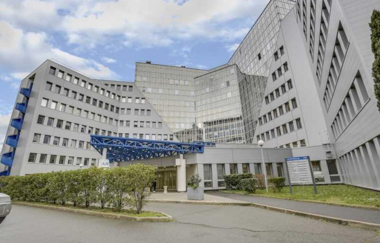 Bureau 1441 m²