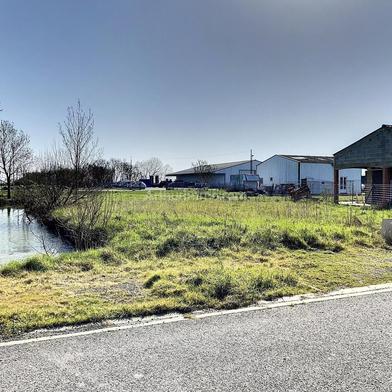 Terrain 721 m²