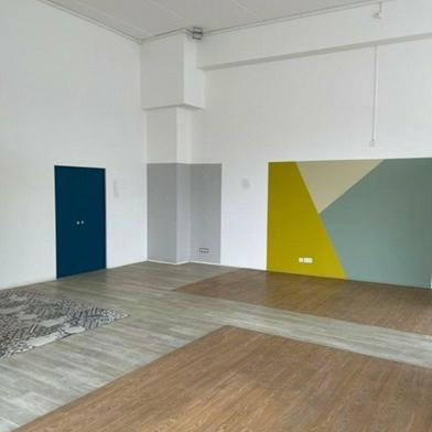 Commerce 144 m²