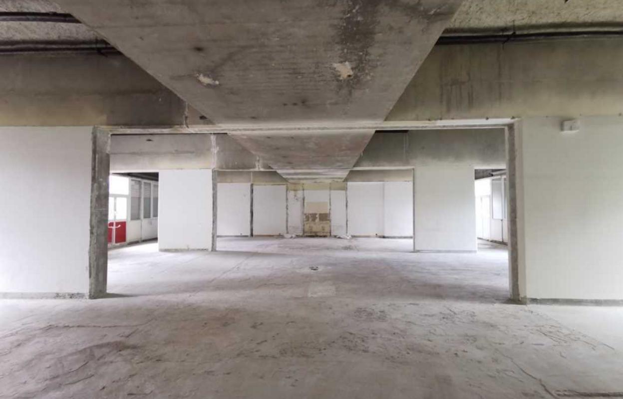 Bureau 245 m²