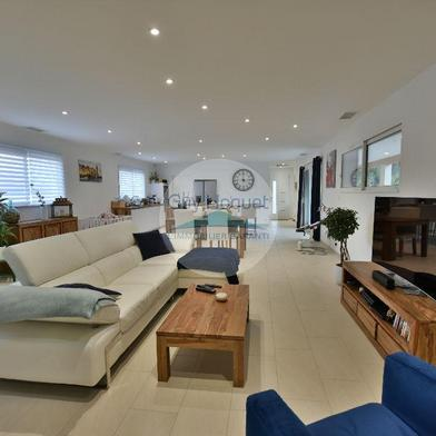 Maison 6 pièces 203 m²