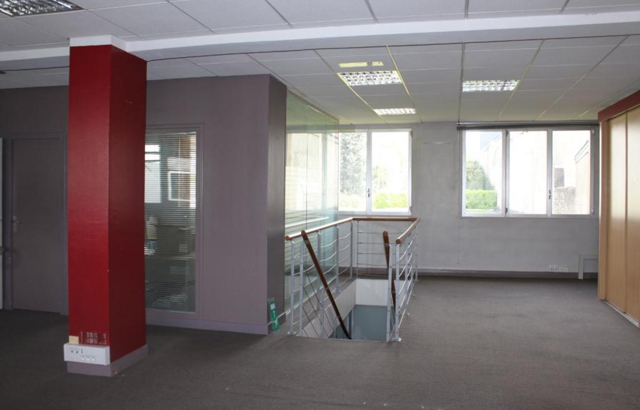 Bureau 170 m²