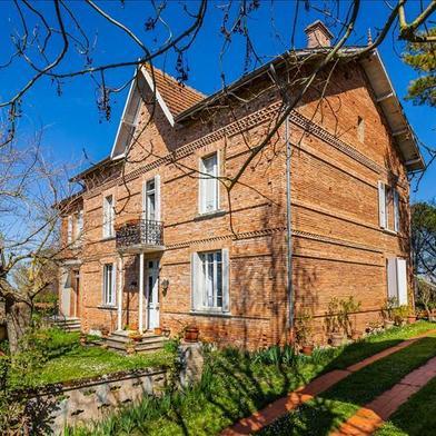 Maison 9 pièces 311 m²