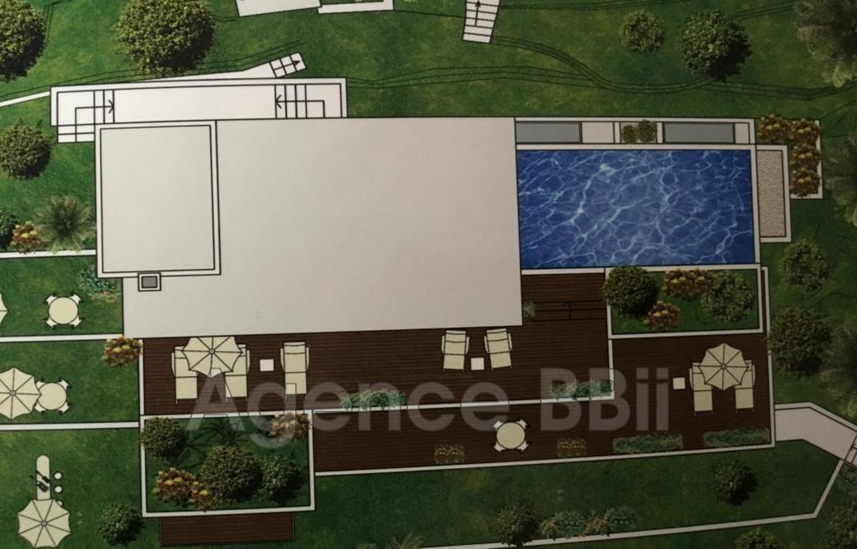 Maison 8 pièces 1000 m²