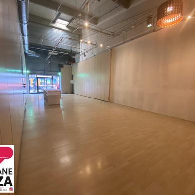 Commerce 136 m²