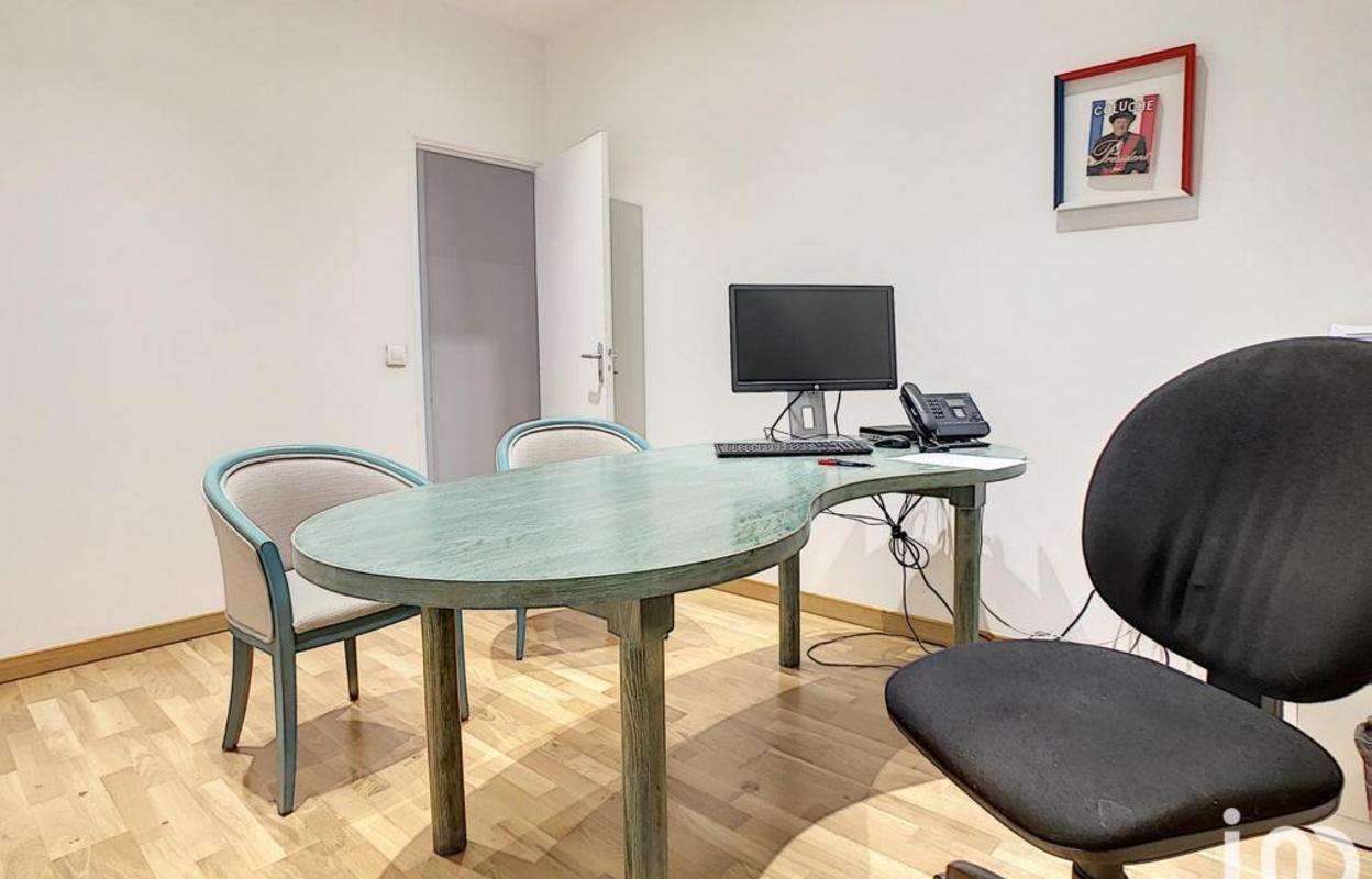 Bureau 187 m²
