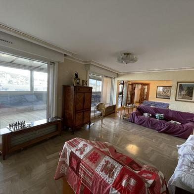 Appartement 6 pièces 236 m²