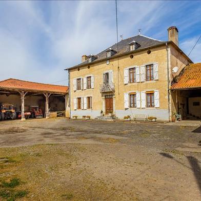 Maison 7 pièces 251 m²