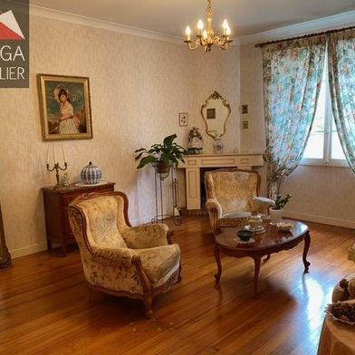 Maison 11 pièces 266 m²