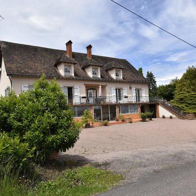 Maison 10 pièces 340 m²