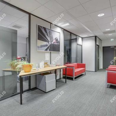 Bureau 345 m²