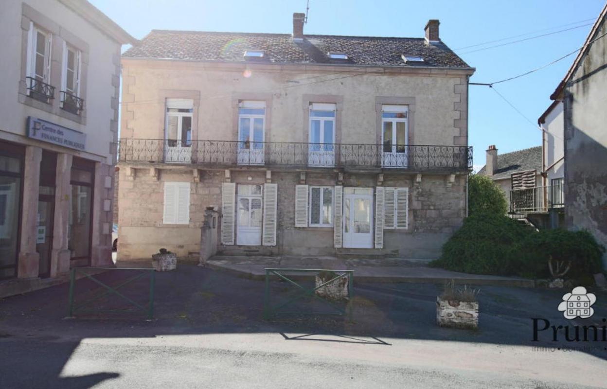 Maison 12 pièces 240 m²
