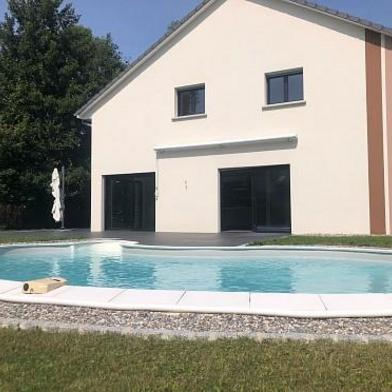 Maison 9 pièces 280 m²