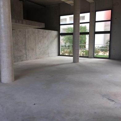Commerce 194 m²