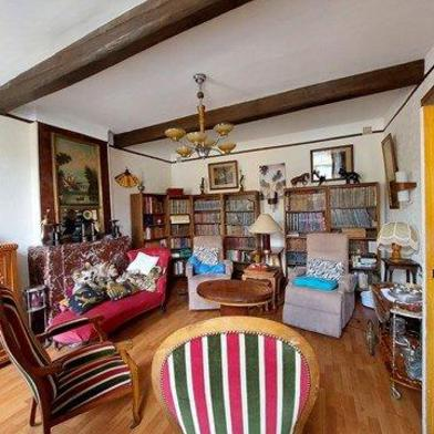 Maison 8 pièces 250 m²