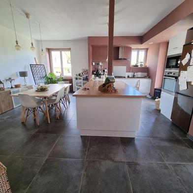 Maison 5 pièces 239 m²
