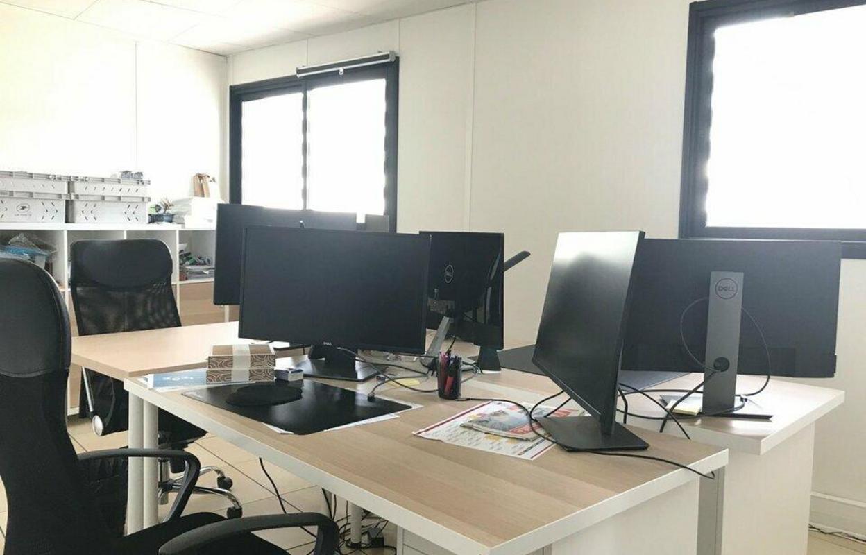 Bureau 193 m²