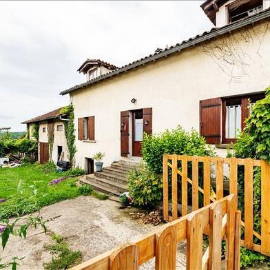 Maison 10 pièces 302 m²
