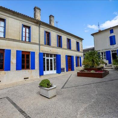 Maison 10 pièces 280 m²