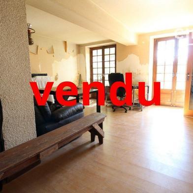 Maison 8 pièces 233 m²