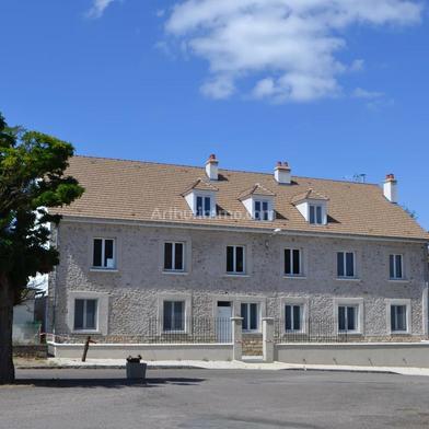 Maison 10 pièces 215 m²