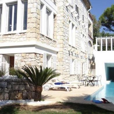 Maison 9 pièces 600 m²