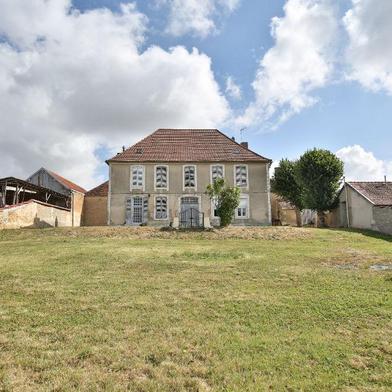 Maison 11 pièces 318 m²
