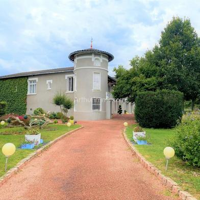 Maison 8 pièces 600 m²