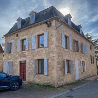 Maison 7 pièces 218 m²