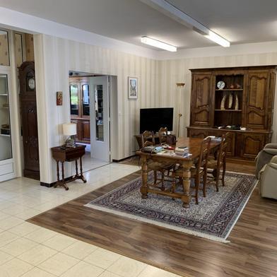 Maison 330 m²