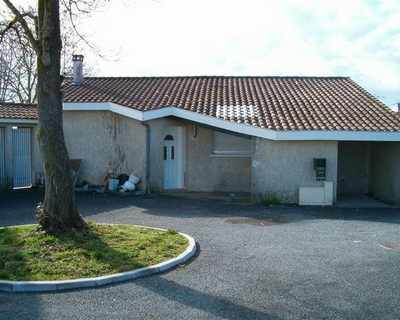 Vente Maison 94 m² à Saint-Césaire 112 000 €