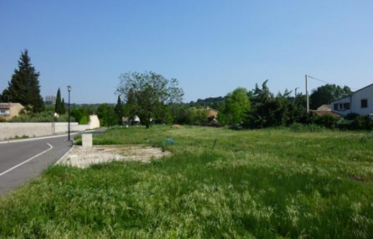 Terrain 608 m²